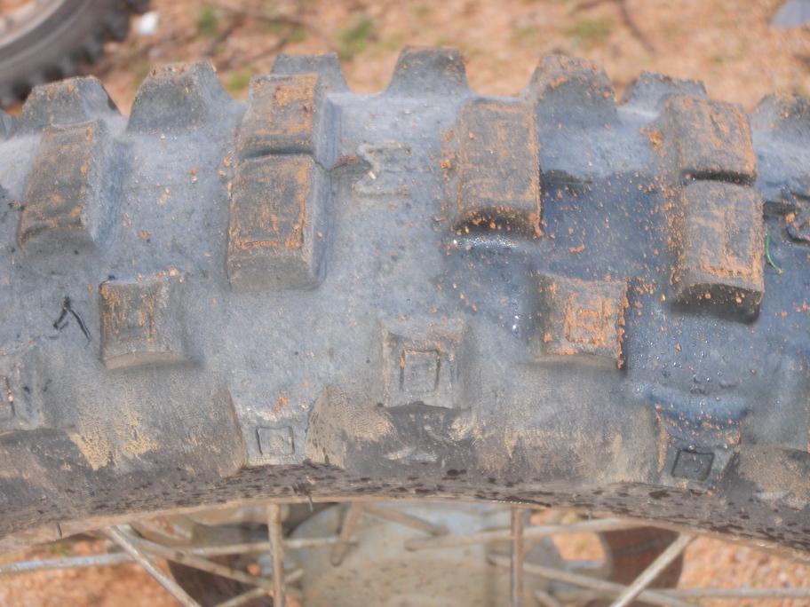 ...sehen die Reifen noch fast aus wie neu
